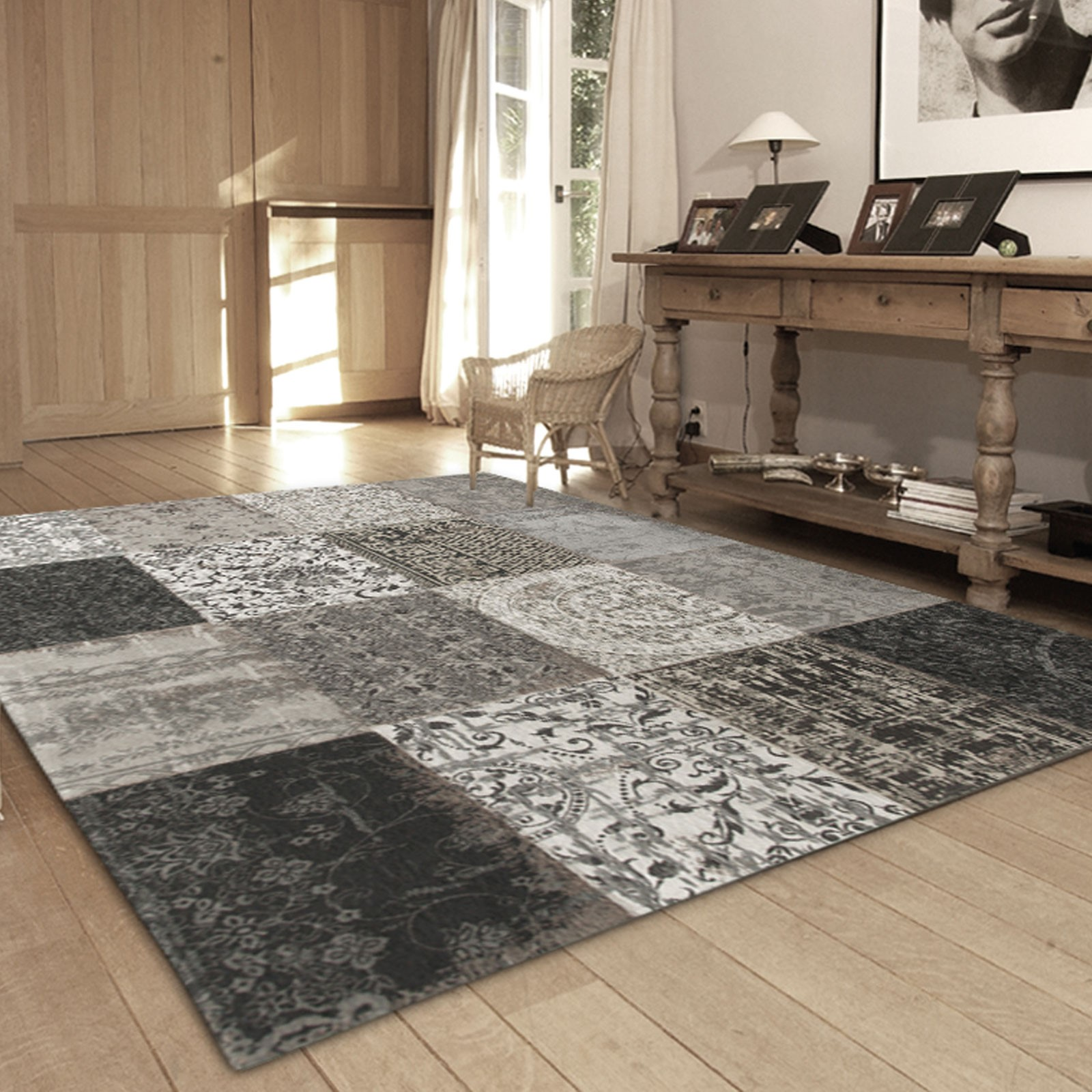 Louis de Poortere black and white rug