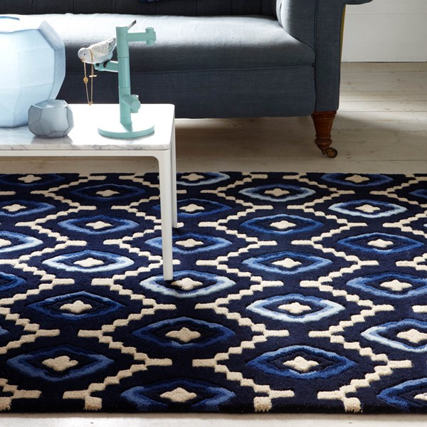 Origins rug in dark blue and white spring colours 2016