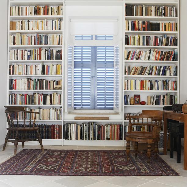 5 Insanely Creative Home Storage Ideas book shelves