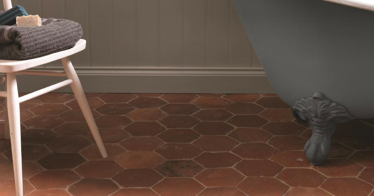 interior design trends terracotta tiles in a bathroom