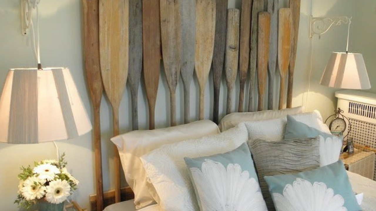 Nautical Oars As A Headboard