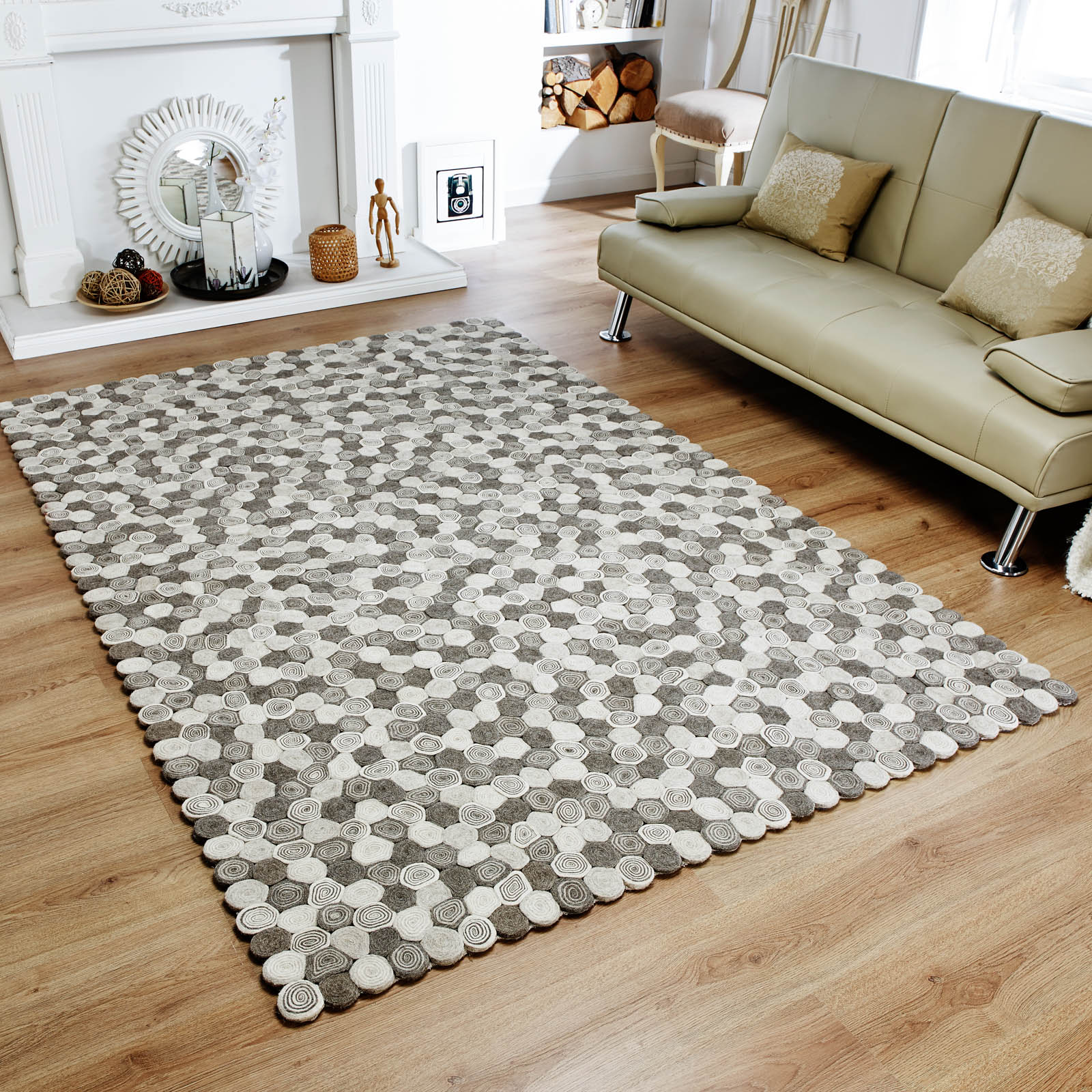Lagom sushi rugs in monchrome