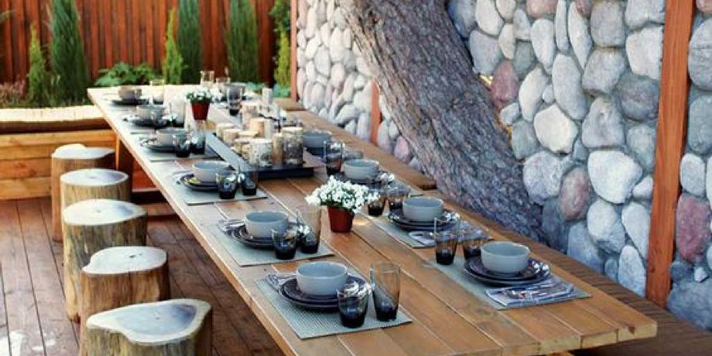garden party seating arrangement tree stumps