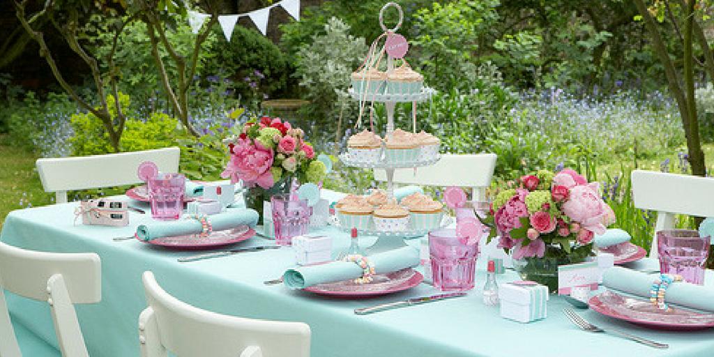 garden party set table