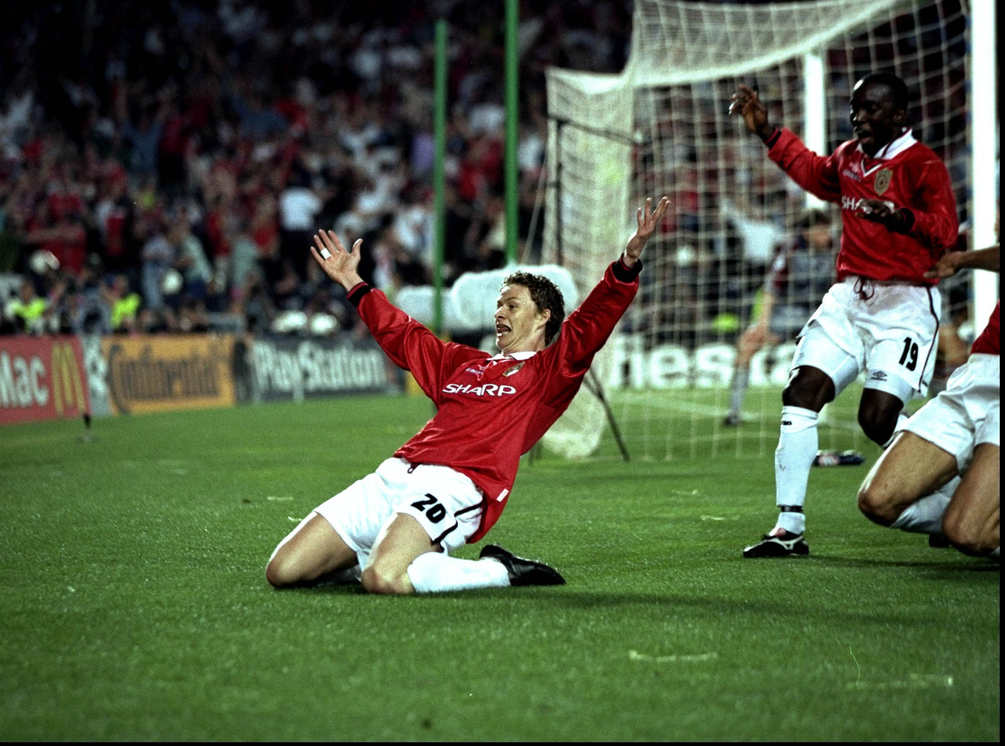 Ole Gunnar Solskjaer celebrates scoring the second goal for Manchester United during the European Champions League Final against Bayern Munich in the Nou Camp Stadium, Barcelona, Spain. Manchester United won 2 - 1 with both United goals scored during injury time, to secure the treble of League, FA Cup and European Cup.