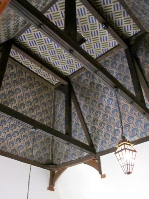 william morris floral ceiling