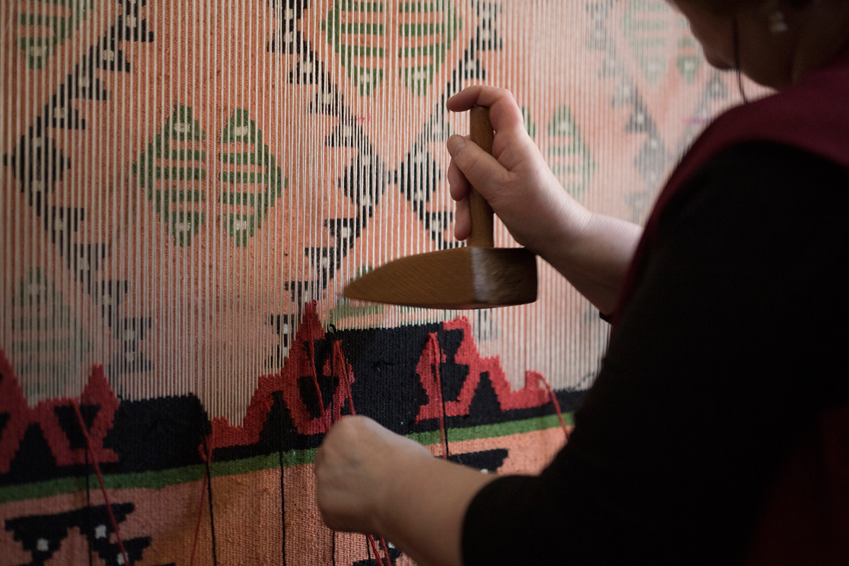 kilim rug being weaved
