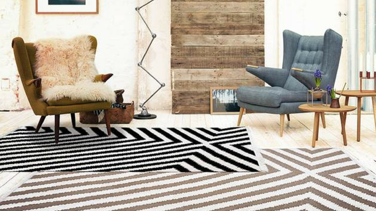 Edgy Corners Rug 0011 01 by Carpets & Co in Black and White