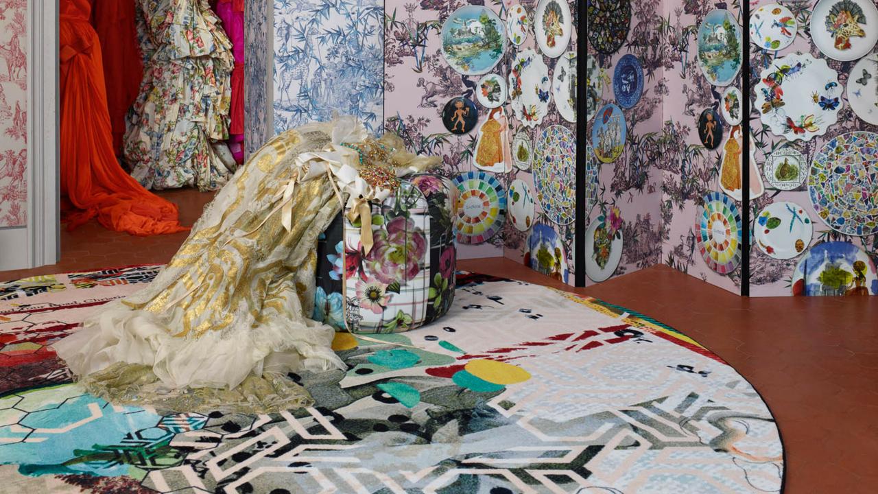 artistic grande tour tomette rug by Louis De Poortere