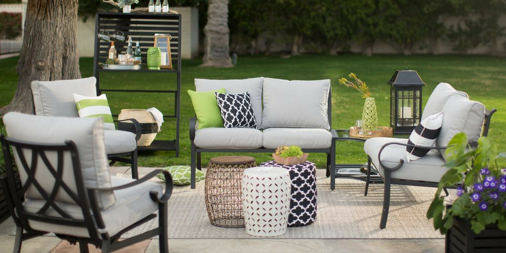 Outdoor Style Guide Outdoor Furniture in a large open space