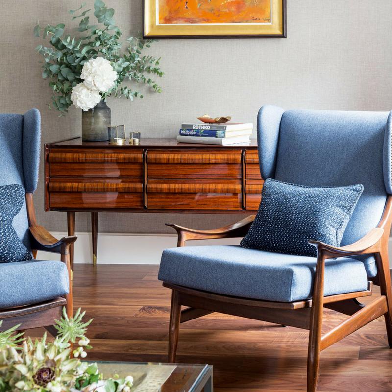 Interior Design Trends modern living furniture ina a large living room