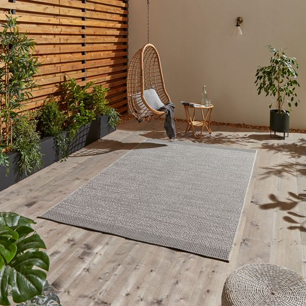 Stitch Outdoor Rugs