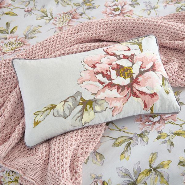V&A Cushions