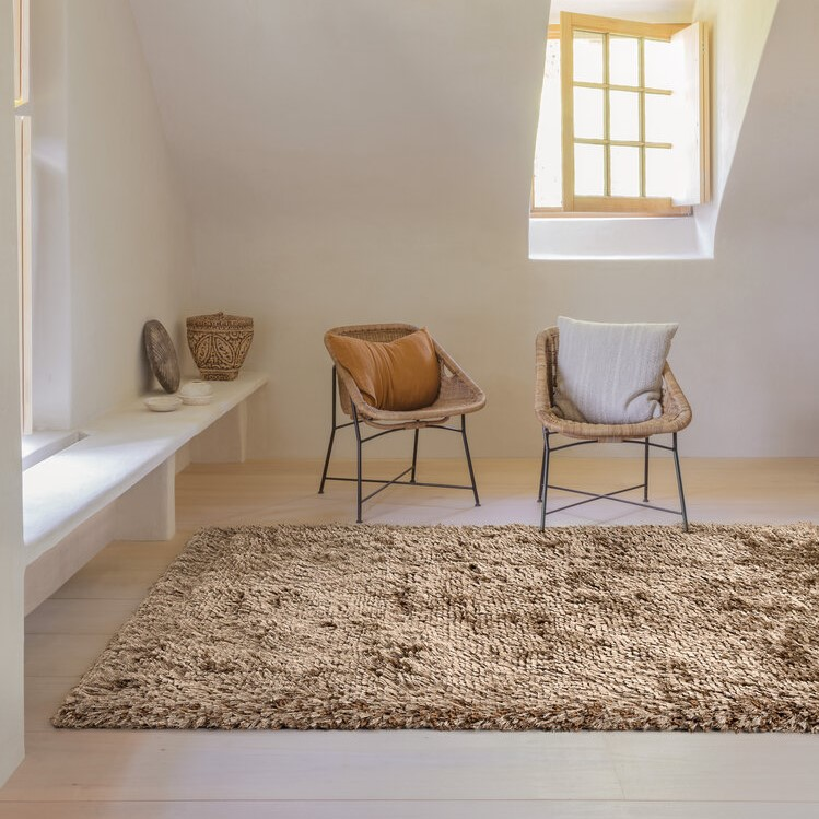 Uni Adore Shaggy Rugs 207 001 610 in Gold by Ligne Pure