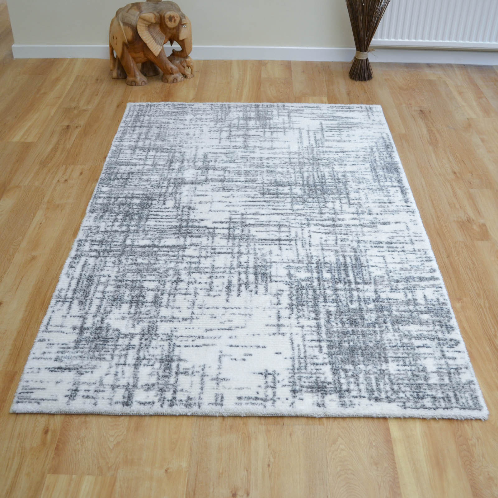 Chelsea Rugs 2228 100 in Ivory and Grey