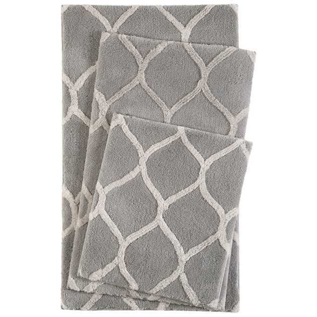 Oriental Tile Bath Mats 2427 03 in Silver and Cream by Esprit