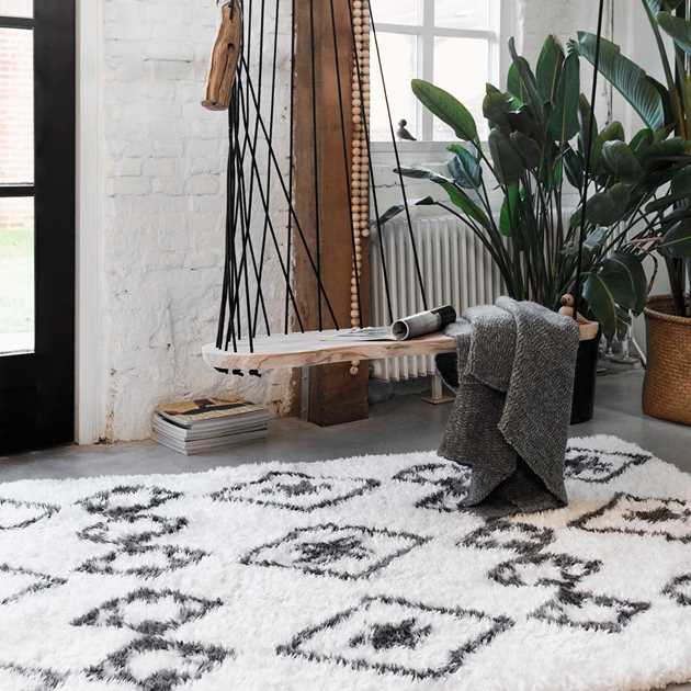 Boho and Scandic Ayachi Rugs 5967 695 in White and Anthracite