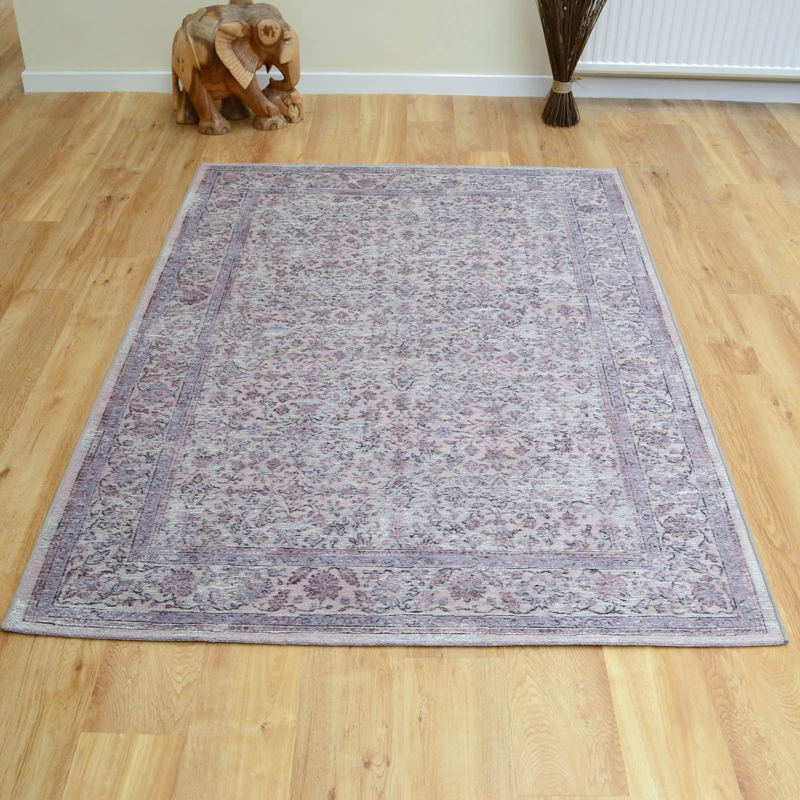 Capri Rugs 91268 8004 in Pink