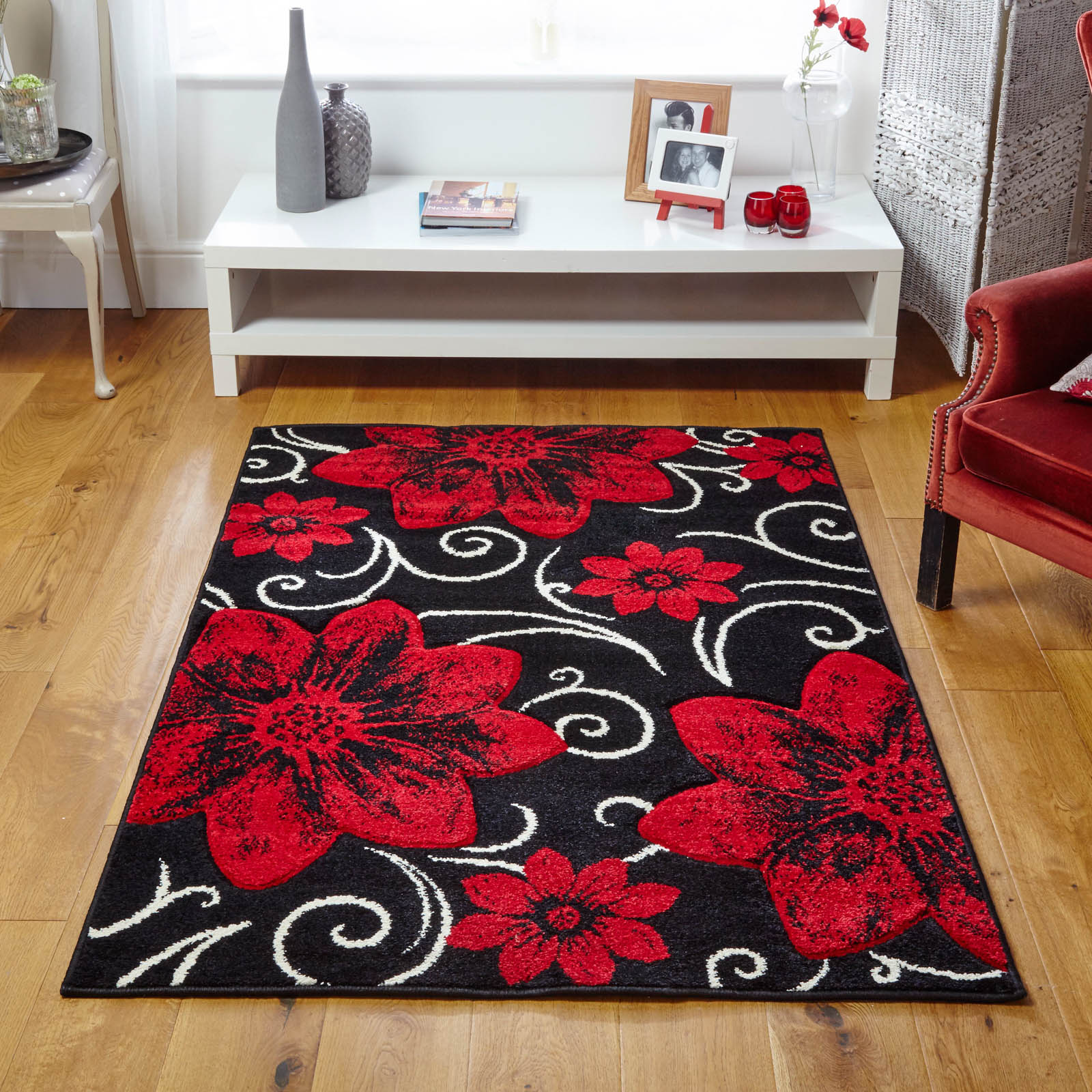Viva Rugs 9748 Q in Black an Red