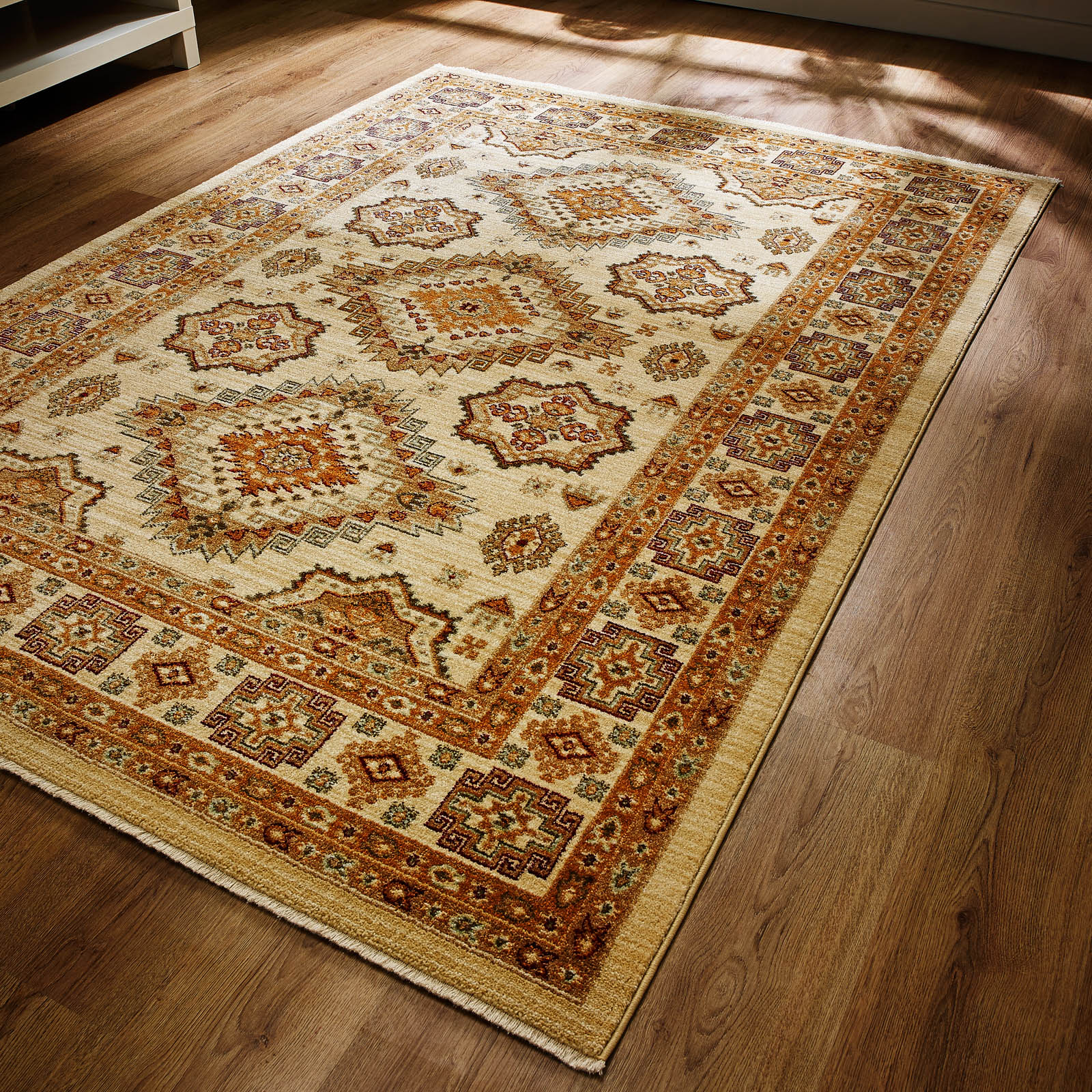 Persia Ahvaz Rugs in Cream