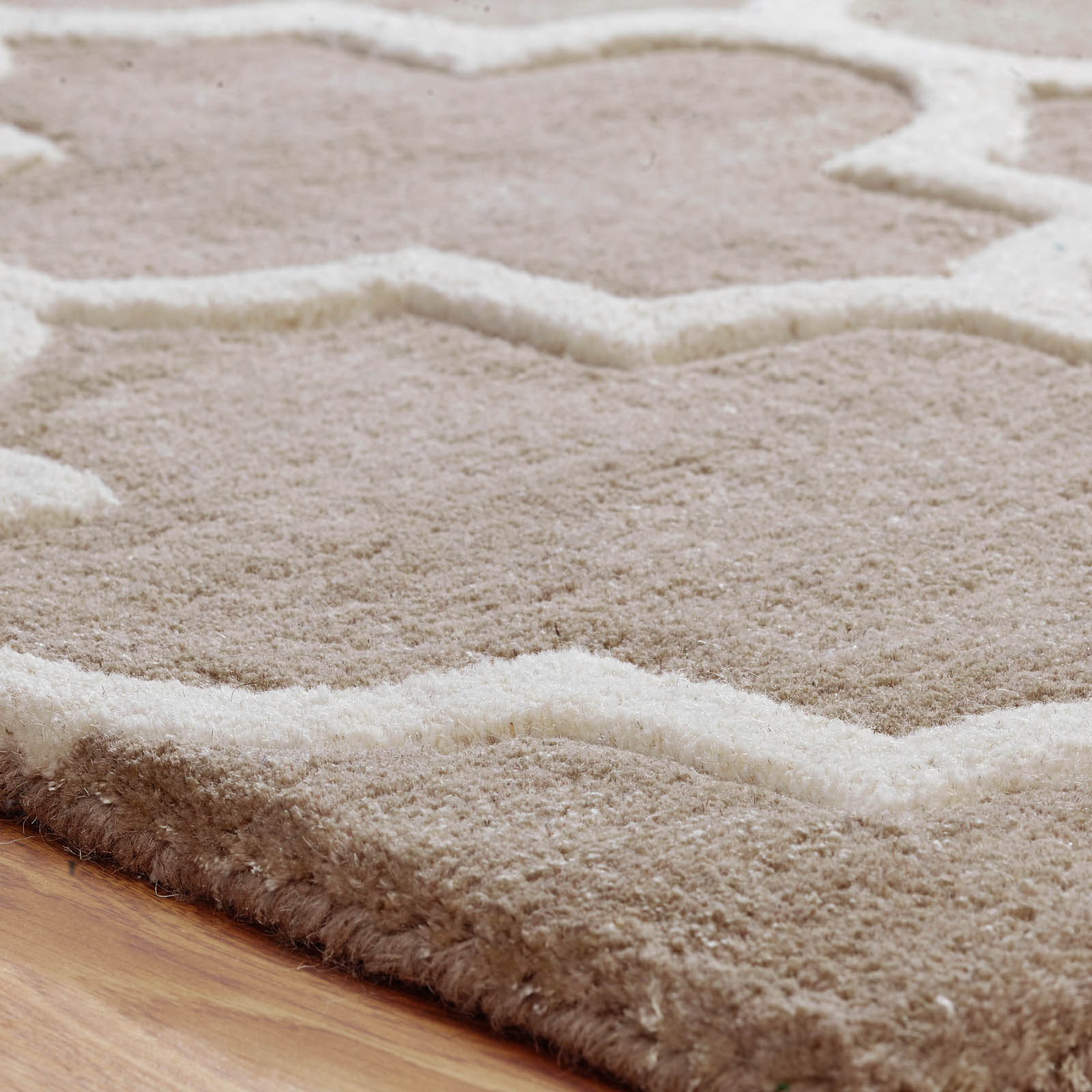 Arabesque Rug In Beige. Click To View Other Images: