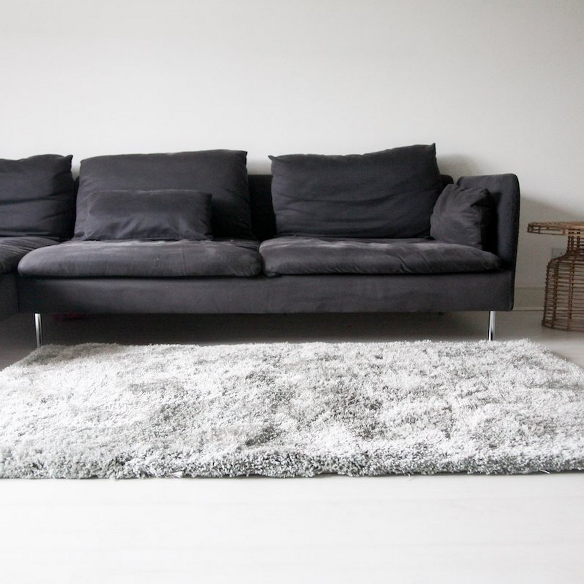 Aruba Shaggy Rugs in Silver