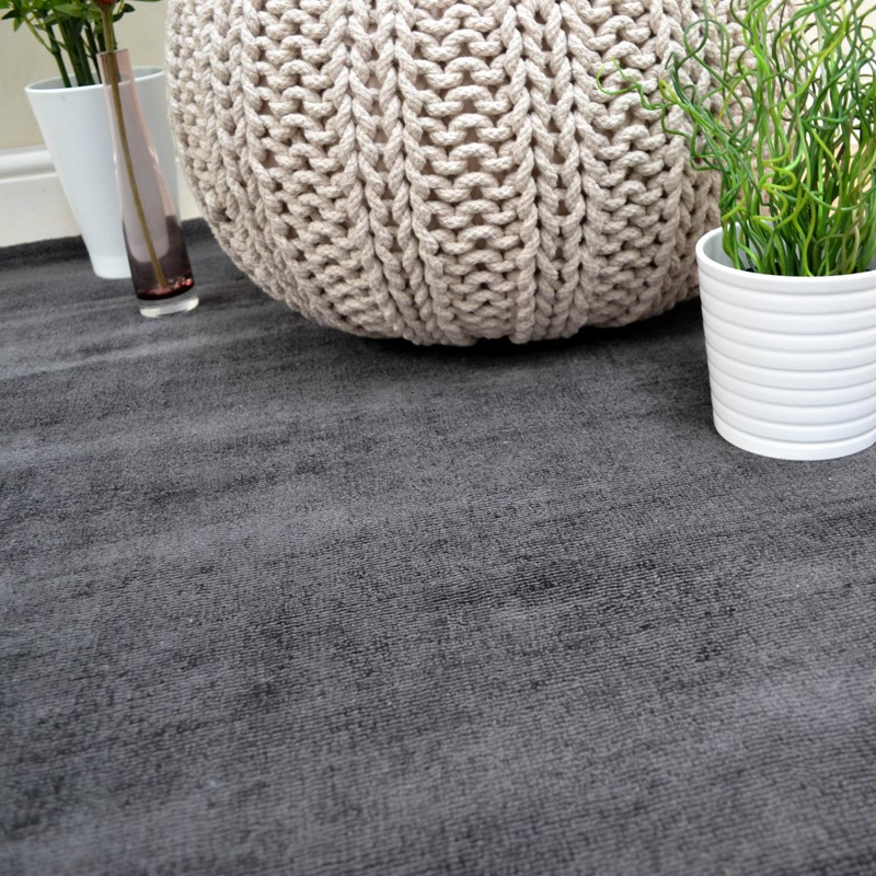 Blade Plain Rugs In Charcoal Buy Online From The Rug Seller Uk