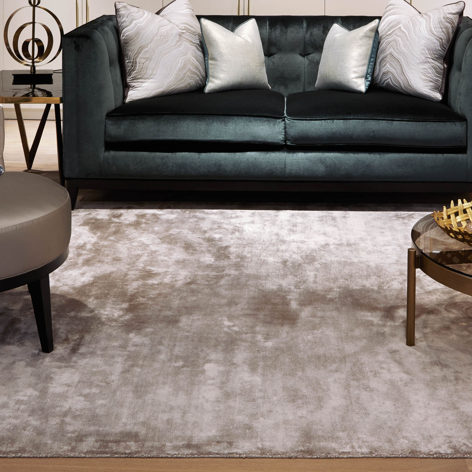 Katherine Carnaby Chrome Rug in Latte