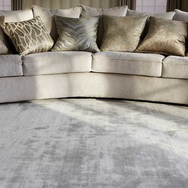 Katherine Carnaby Chrome Rug in Silver