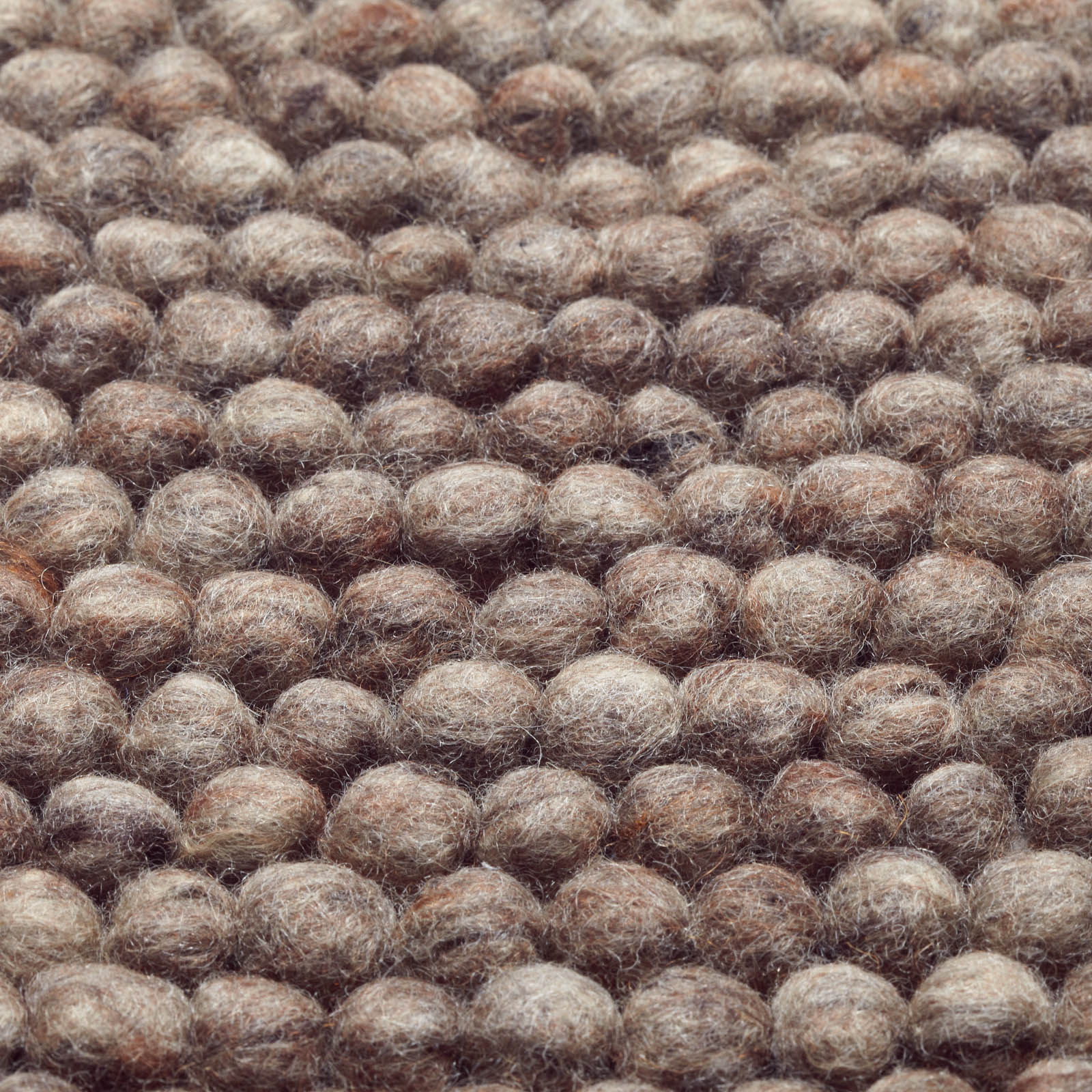 Cobble Rugs 600 in Brown