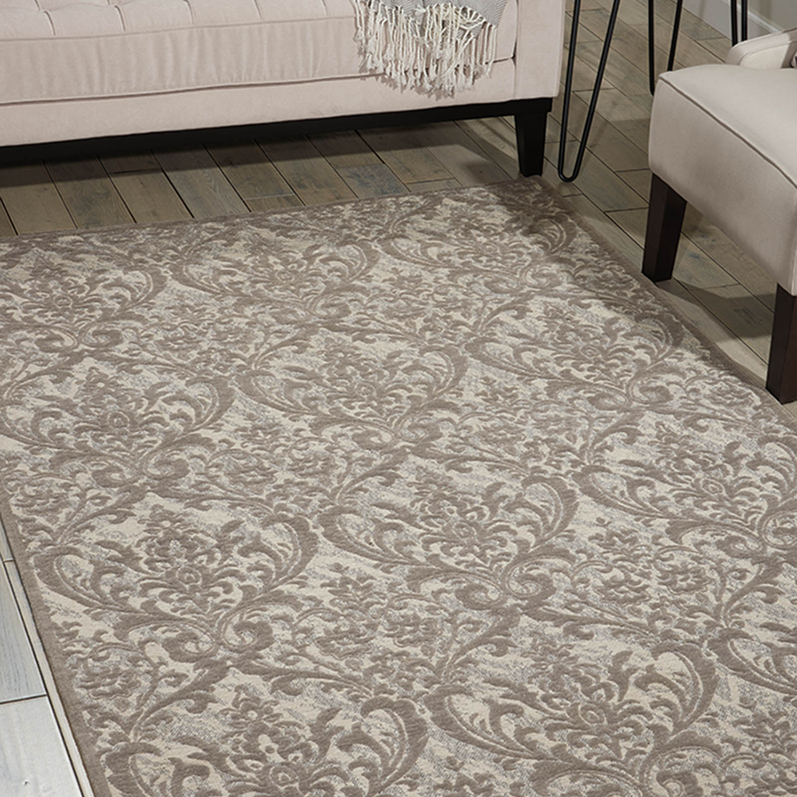 Damask Rugs DAS02 In Ivory And Grey By Nourison
