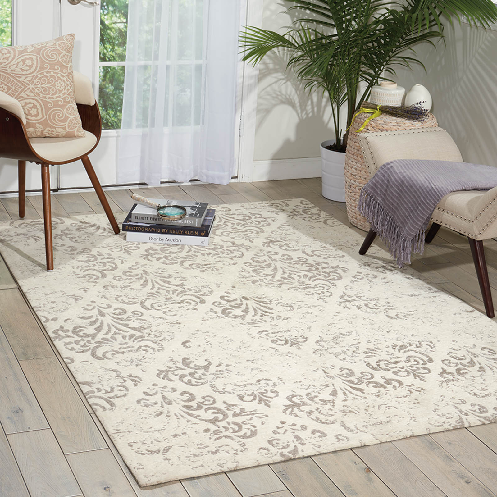 Damask Rugs DAS03 in Ivory by Nourison