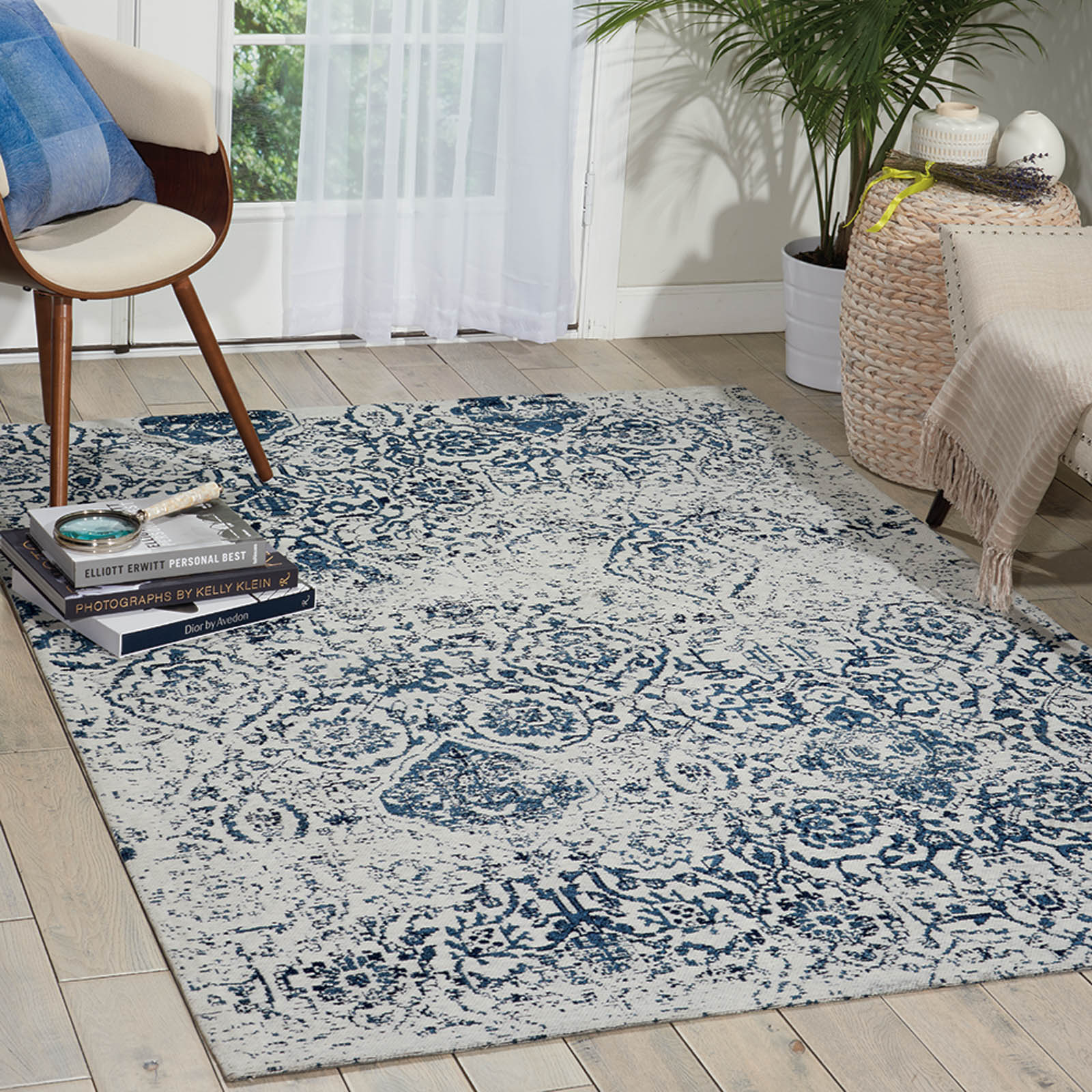 Damask Rugs DAS06 in Ivory and Navy by Nourison