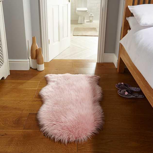 Faux Fur Rugs In Pink
