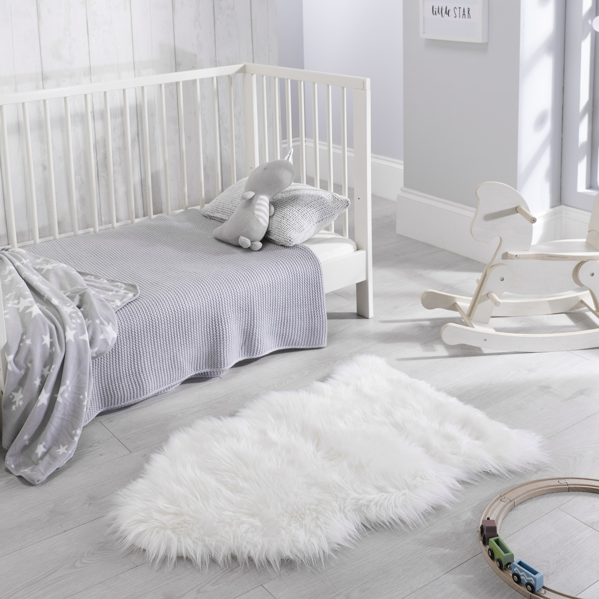 Faux Fur Rugs in White