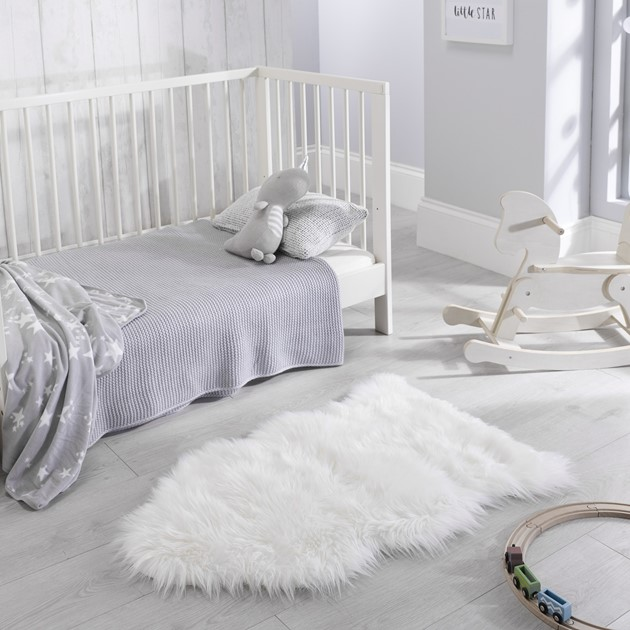 Faux Fur Rugs In White Free Uk Delivery The Rug Seller