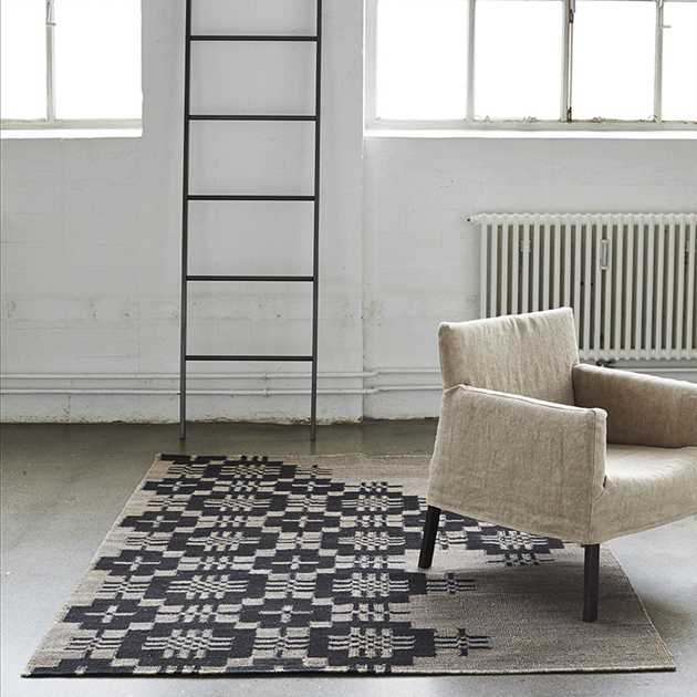Friss Rugs in Charcoal by Massimo