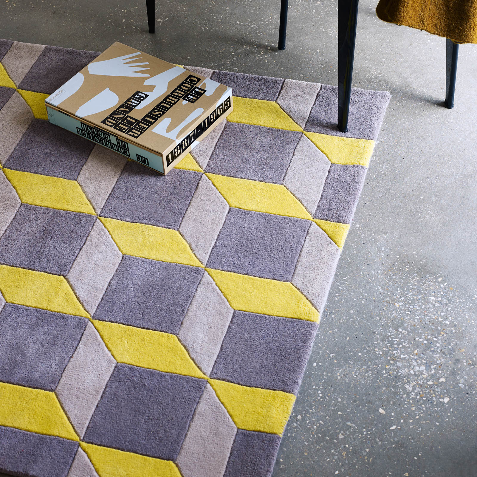 Plantation Geometric Rugs GEO07