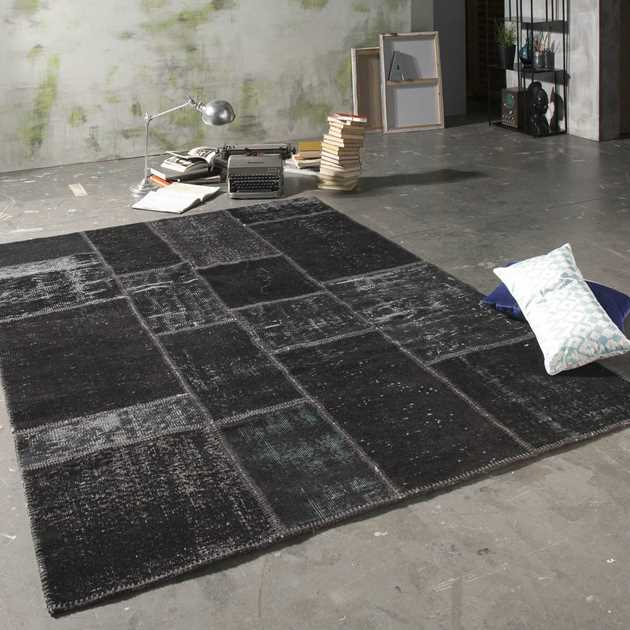 Vintage Rugs in Black
