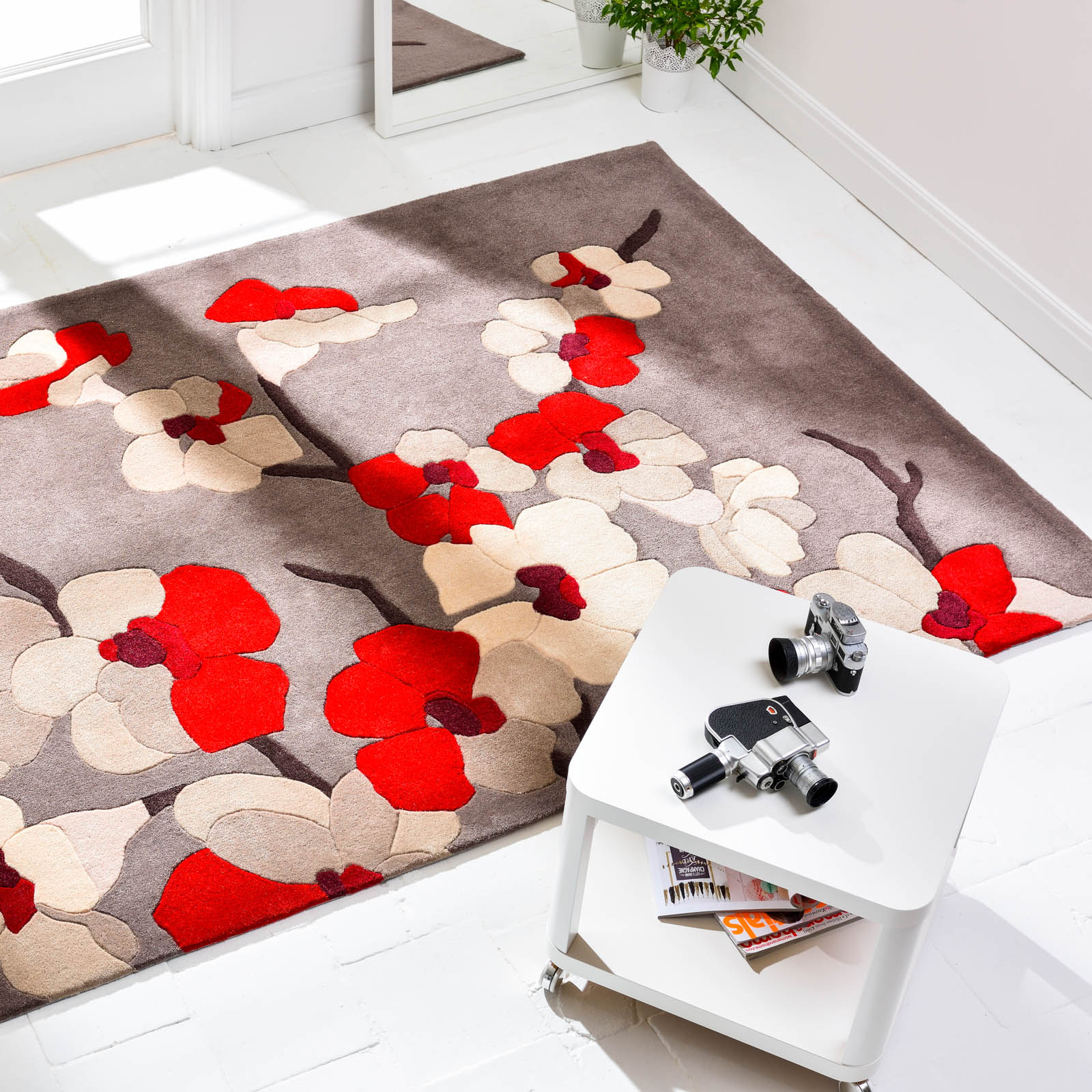 Infinite Blossom Rugs Taupe and Red
