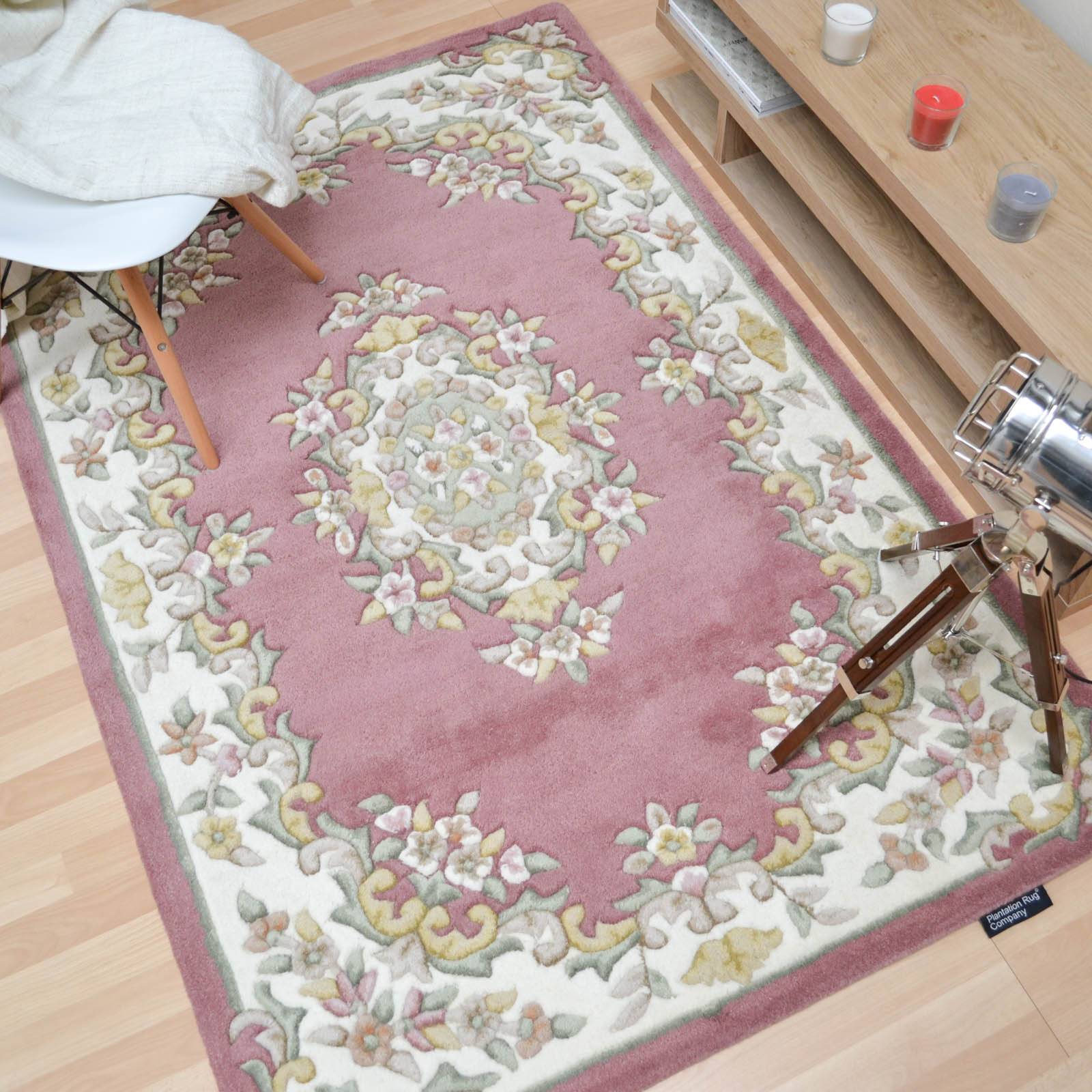 Jewel Traditional Wool Rugs In Pink Ivory