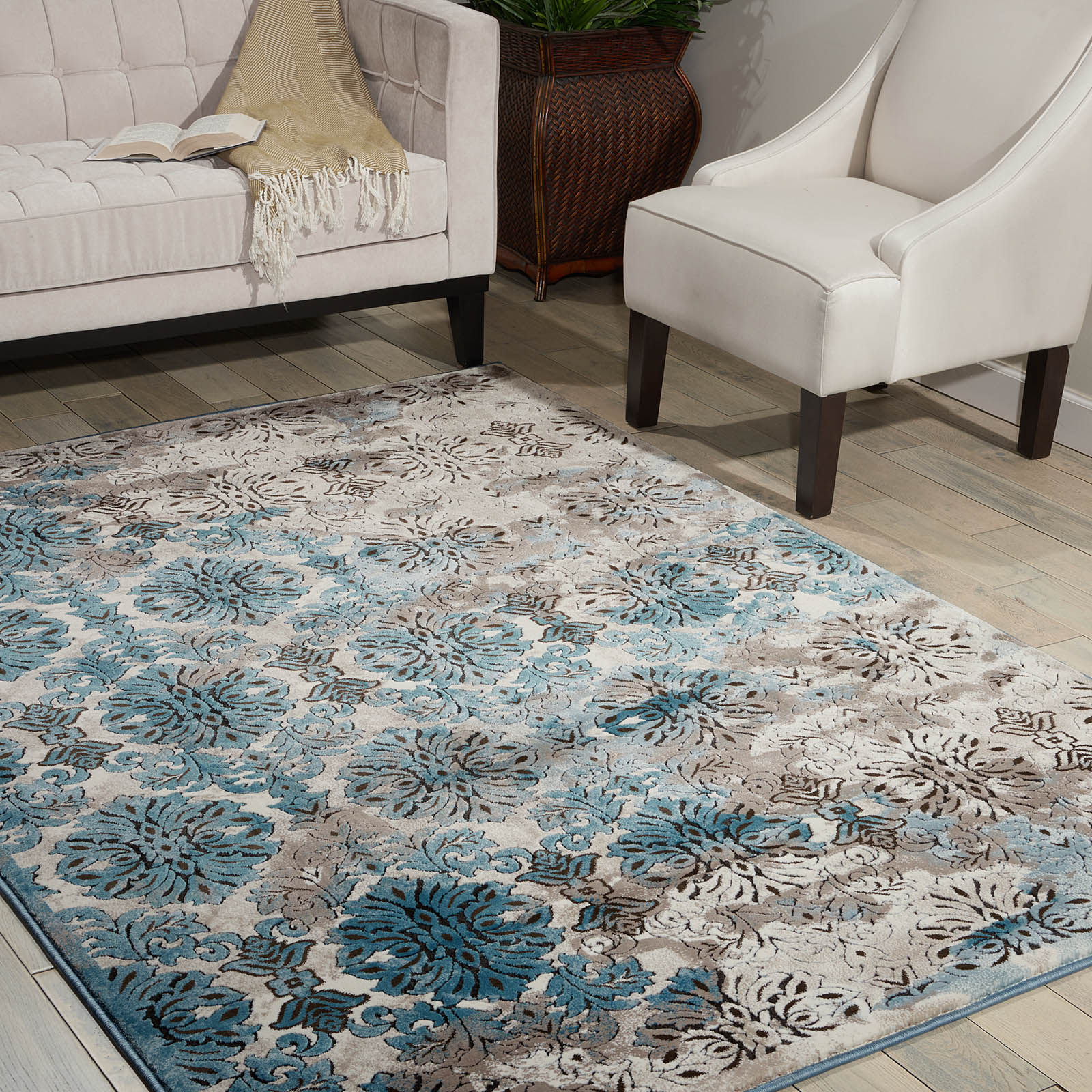Karma Rugs KRM05 in Ivory and Blue