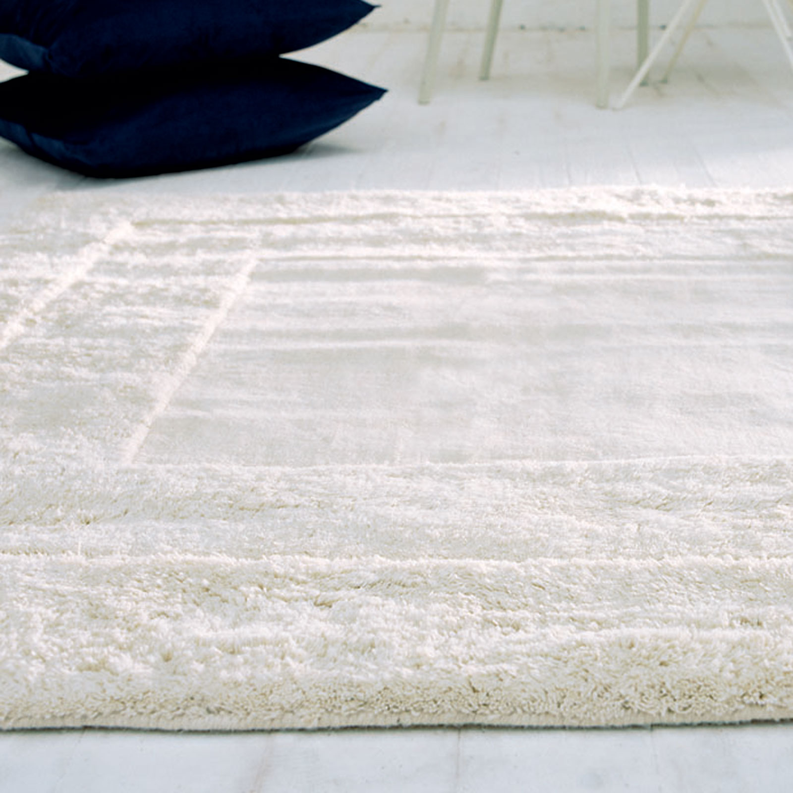 KARMA RUGS IN WHITE KA01