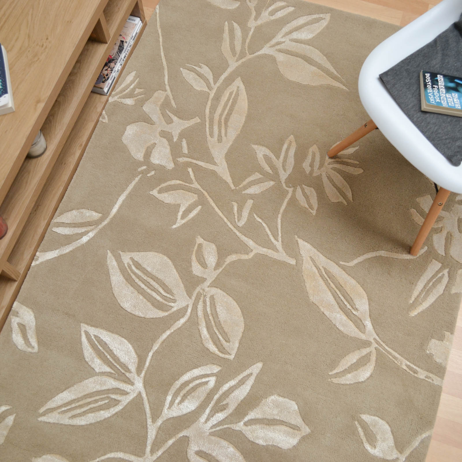 Leaf Trail Rugs in Mocha