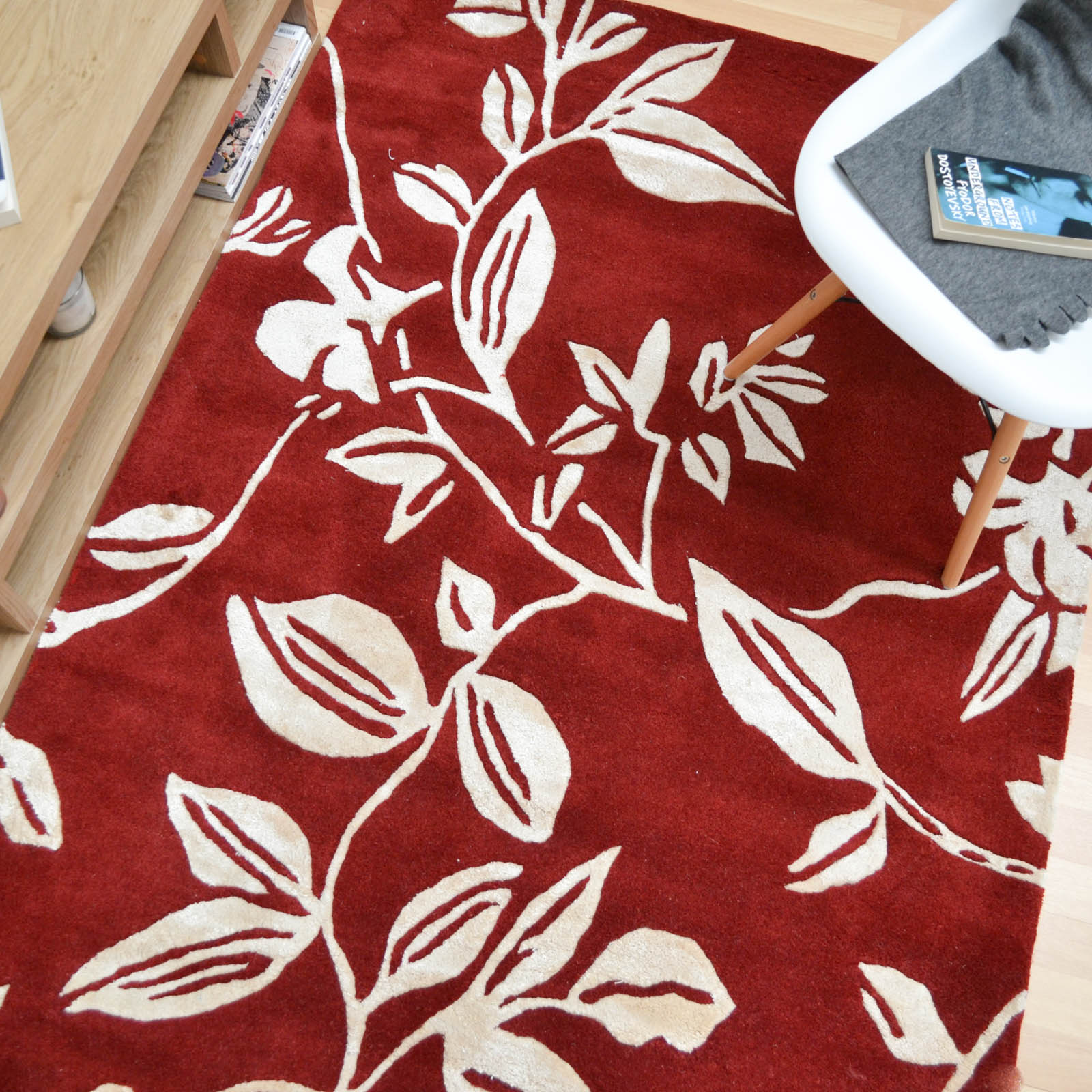 Leaf Trail Rugs in Red