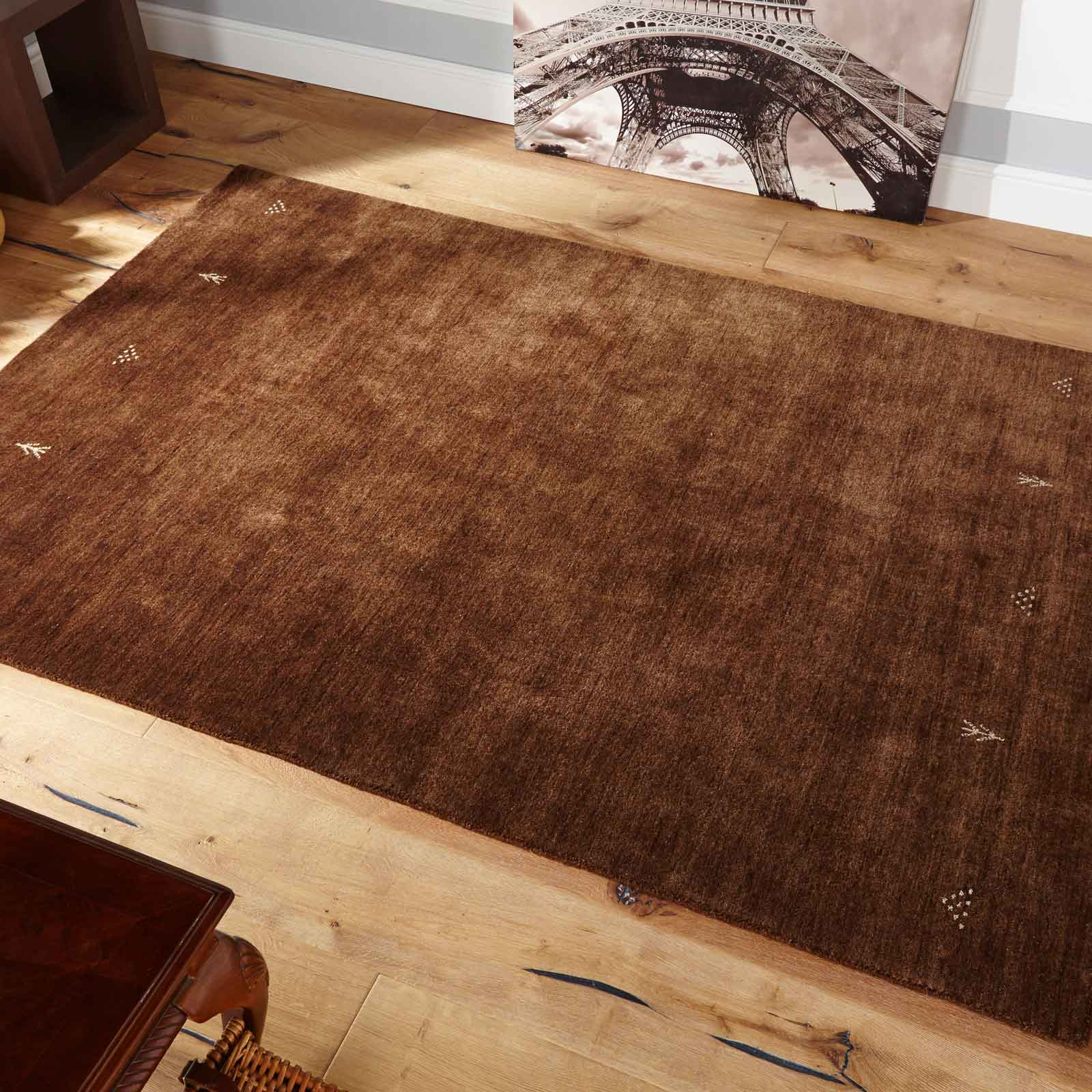 Loriana Rugs in Chocolate