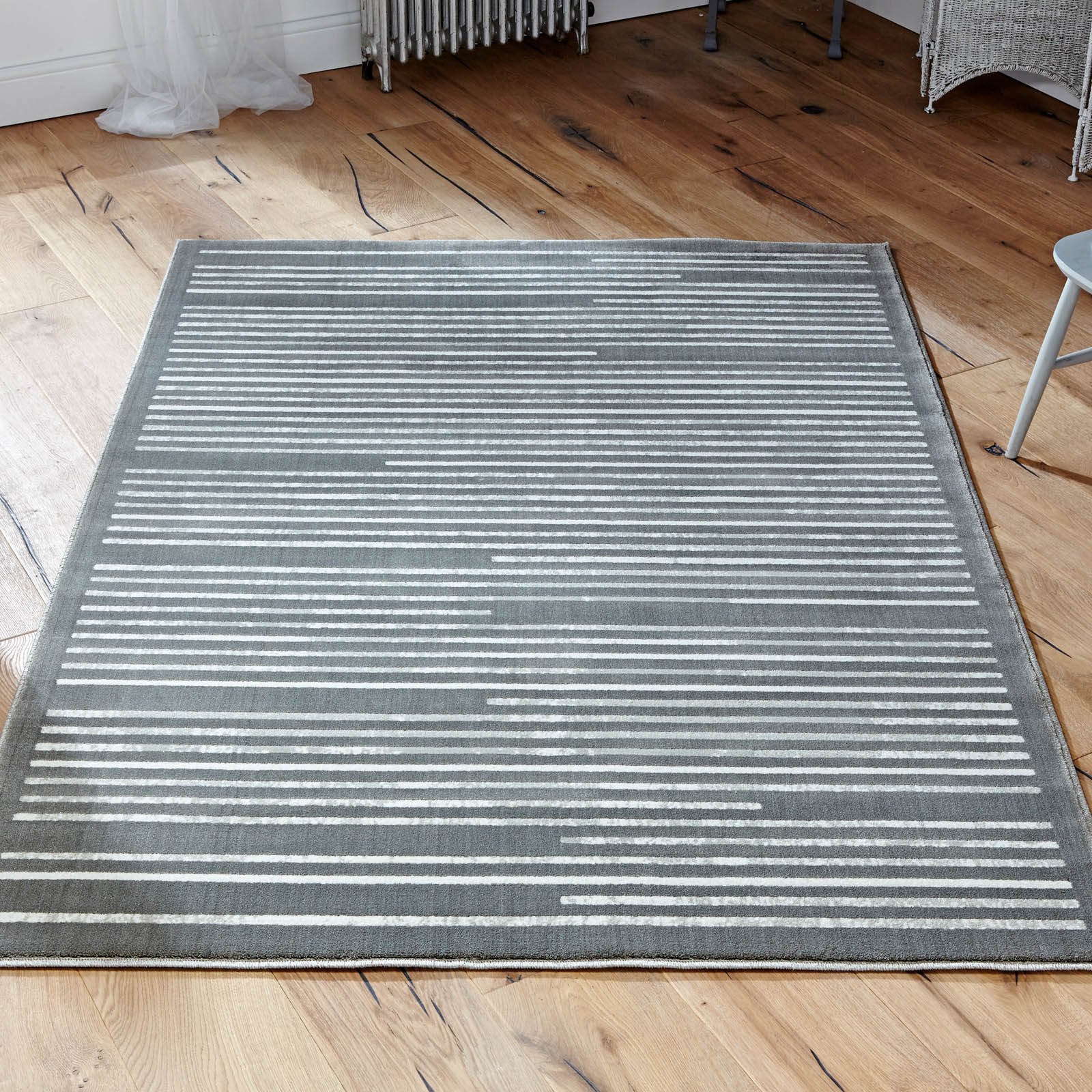 Louvre Rugs 90E in Grey