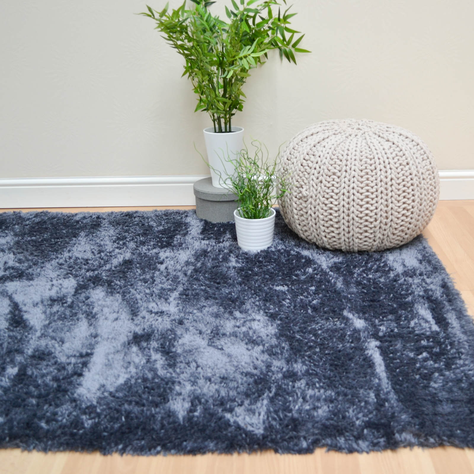 Plantation Marshmallow Rugs MAR03 in Charcoal Grey