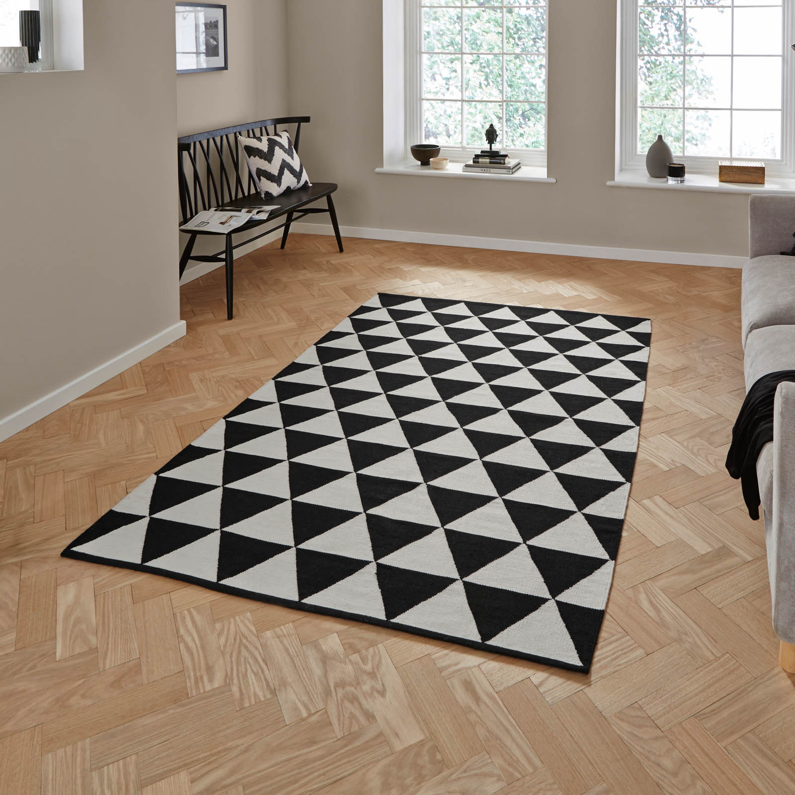 Manhattan Cotton Durrie Rugs MH211A in Black and White