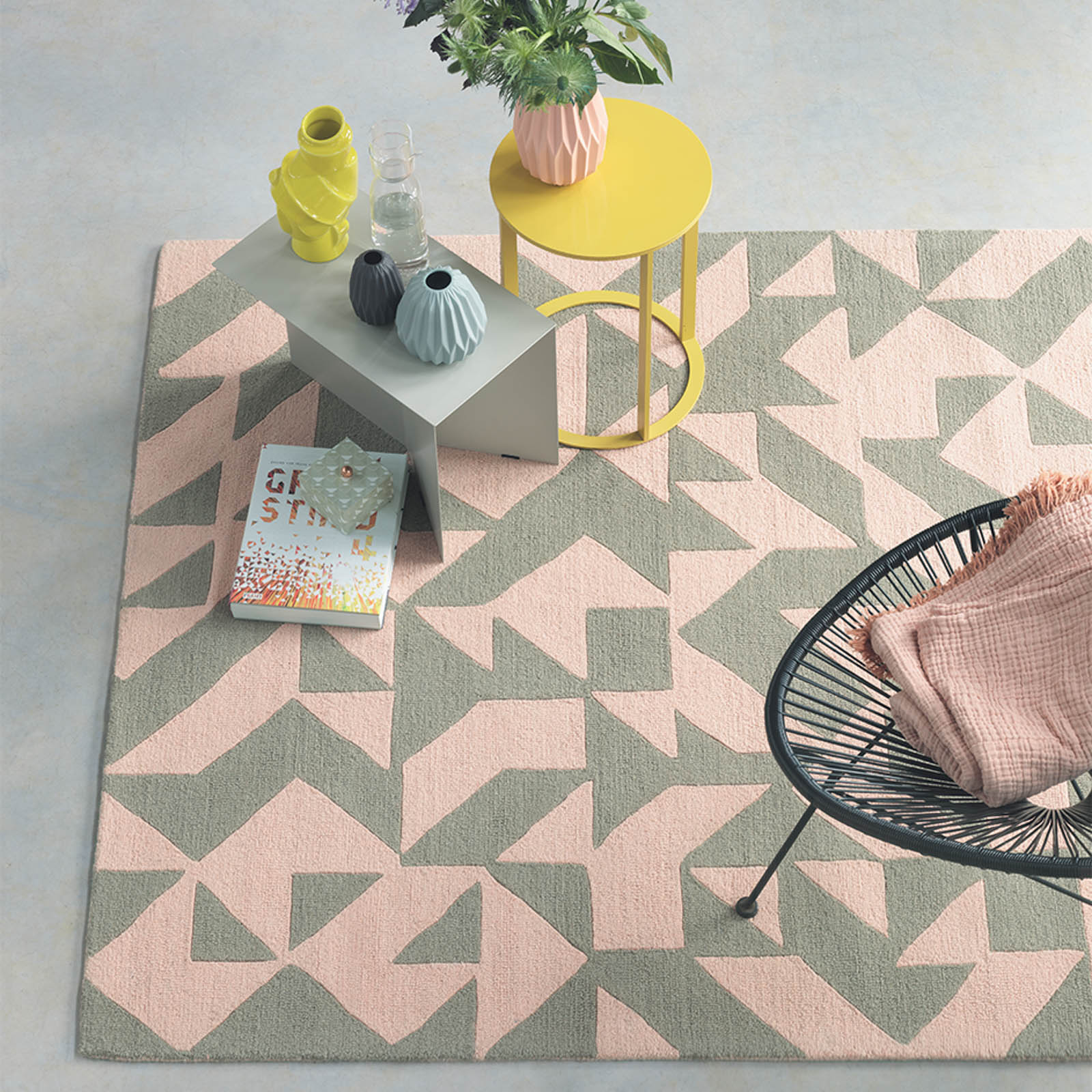 Nova Origami Rugs 89002 in Pink and Taupe by Brink and Campman